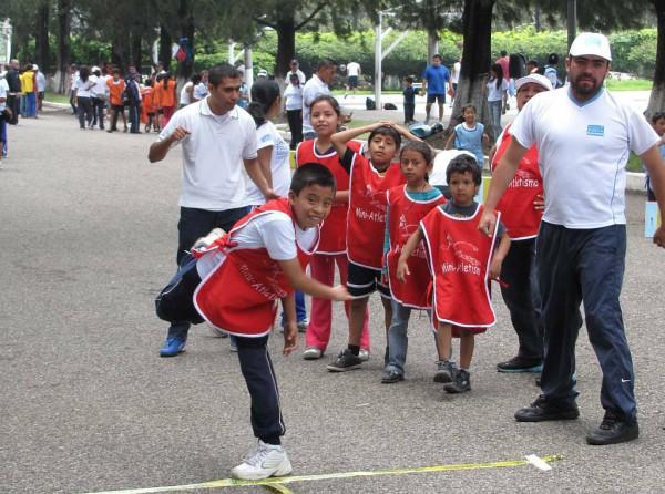 Blog Resorti.de - Internationaler Tag des Sports für Entwicklung und Frieden - Rotationswurf Mini-Atletismo