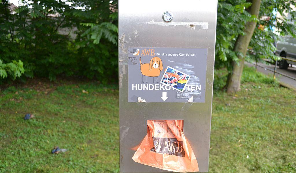 Hundekotbeutelspender Köln - www.resorti.de (c) Nadine Kolzem 2014