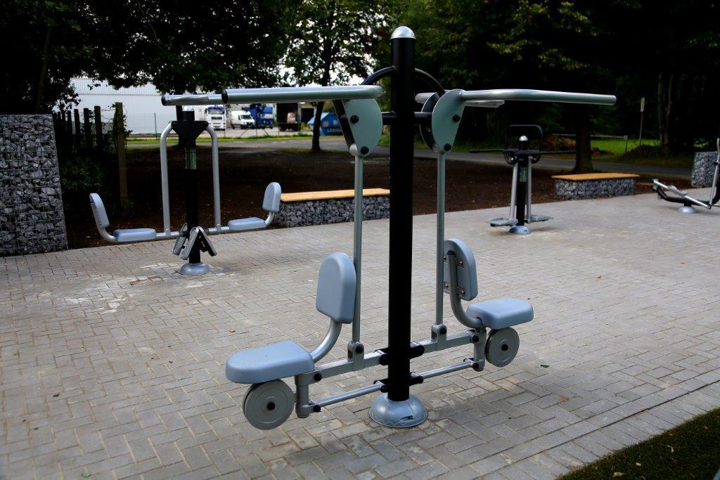 Outdoor-Fitnessgerät Kraftstation für Sportverein