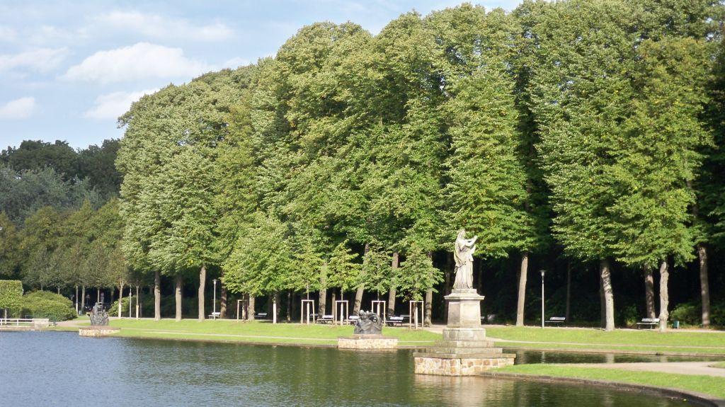 Parkbänke im Bürgerpark Bremen (c) resorti.de