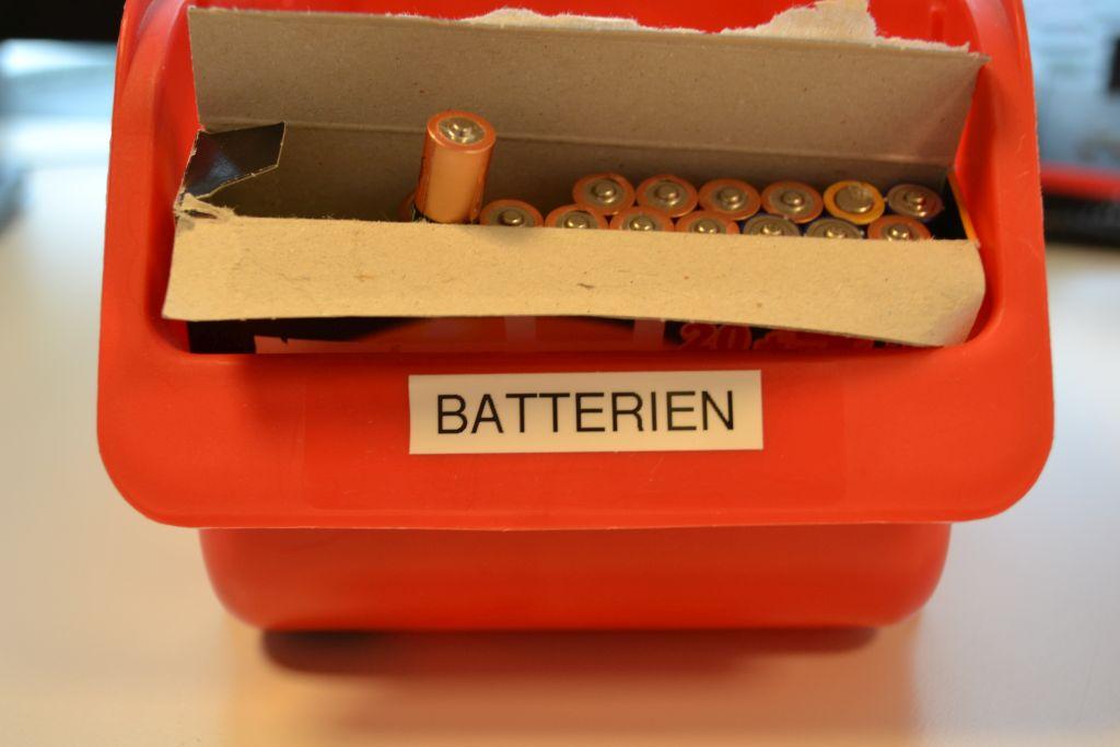 Batterien verwenden - Recycling im Unternehmen (c) Resorti