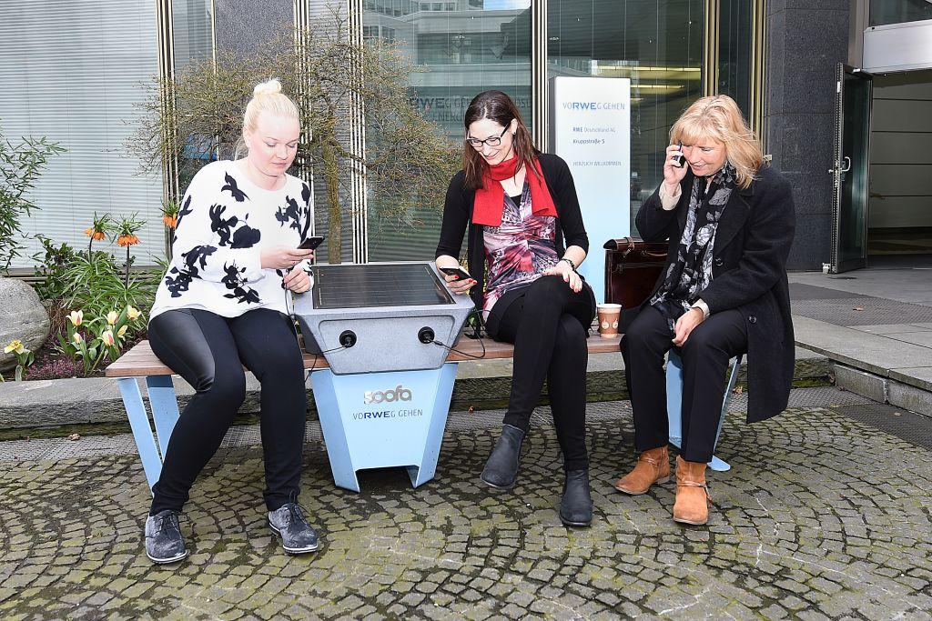 Smartphone laden (c) RWE