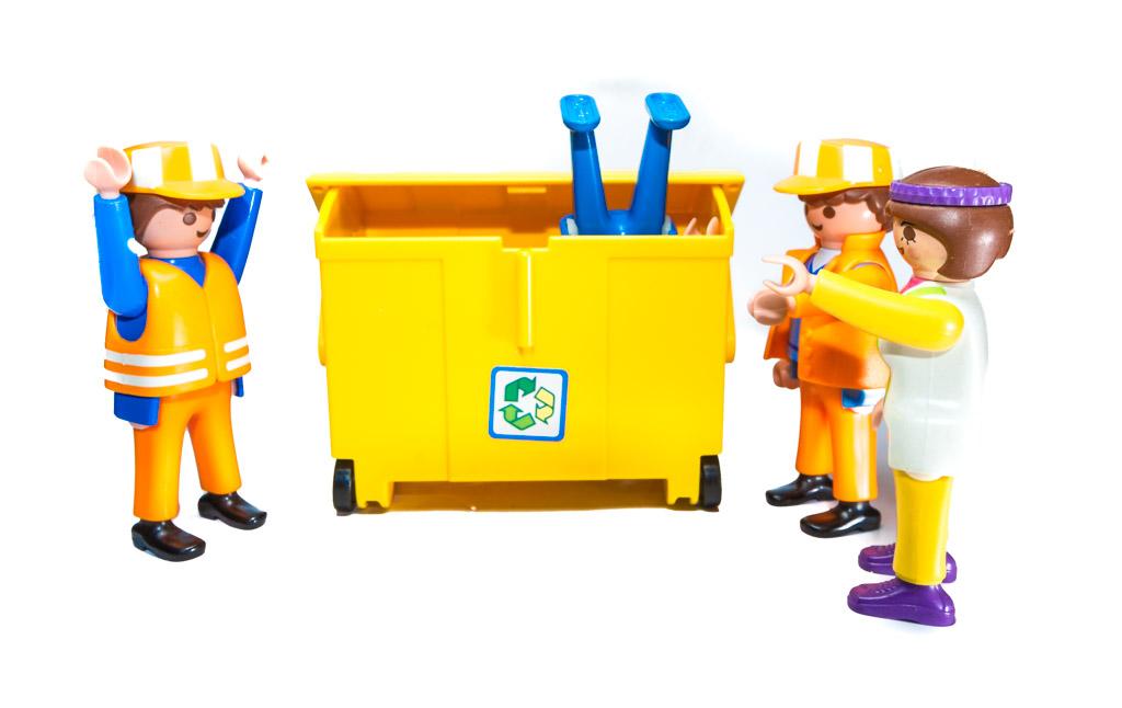7 kuriose Unfälle und Aktionen mit Mülltonnen - RESORTI-Blog 2