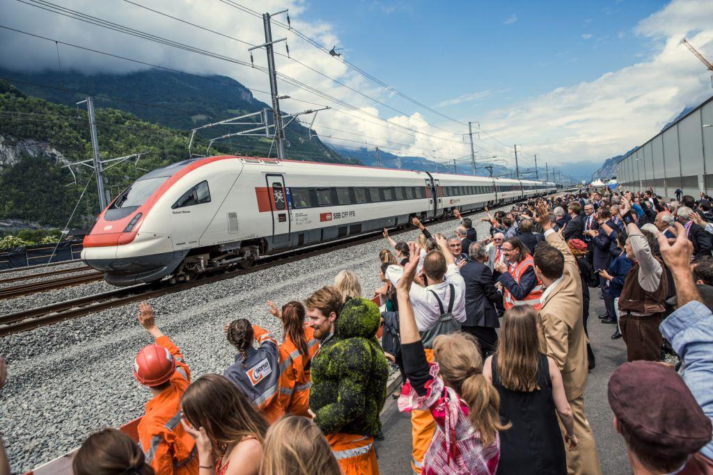 Zug der SBB in Erstfeld