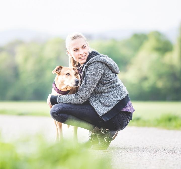bild von conny sporrer mit hund - RESORTI Blog
