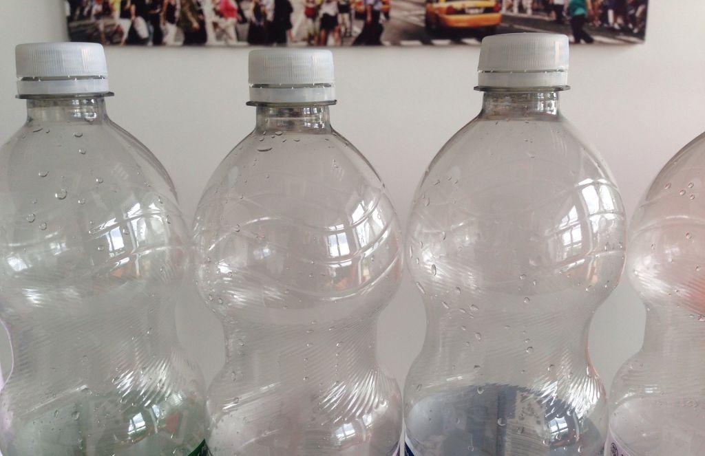 Drei Kunststoffflaschen - RESORTI-Blog