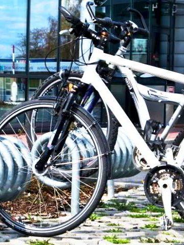 Fahrrad am Fahrradparker - RESORTI Blog