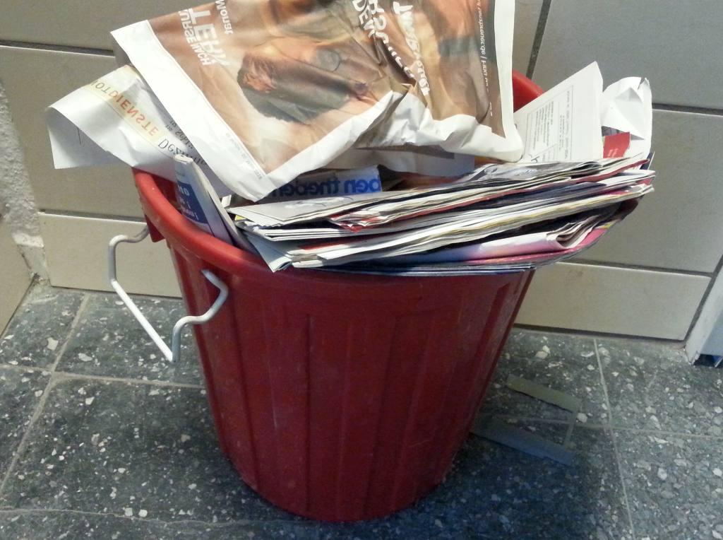 Reklameblätter und Werbewurfsendungen in der Mülltonne - RESORTI-Blog